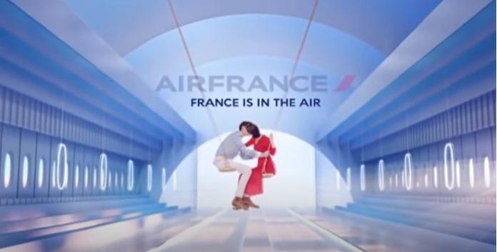 100 anuncios publicitarios con eslogan: Mejores slogans. Air France: Francia está en el aire.