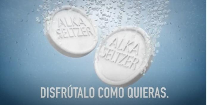 100 anuncios publicitarios con eslogan: Mejores slogans. Alka Seltzer: Disfrútalo como quieras.