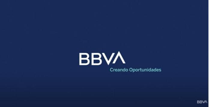 100 anuncios publicitarios con eslogan: Mejores slogans. BBVA: Creando Oportunidades.