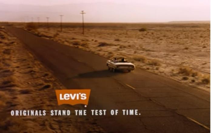 100 anuncios publicitarios con eslogan: Mejores slogans. Levi´s: los originales resisten la prueba del tiempo.