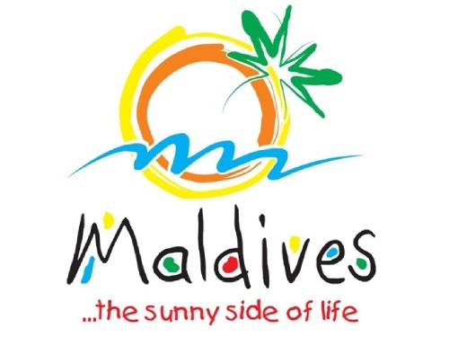 100 anuncios publicitarios con eslogan: Mejores slogans. Islas Maldivas: El lado soleado de la vida.