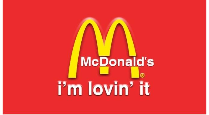 100 anuncios publicitarios con eslogan: Mejores slogans. McDonalds: Me encanta.