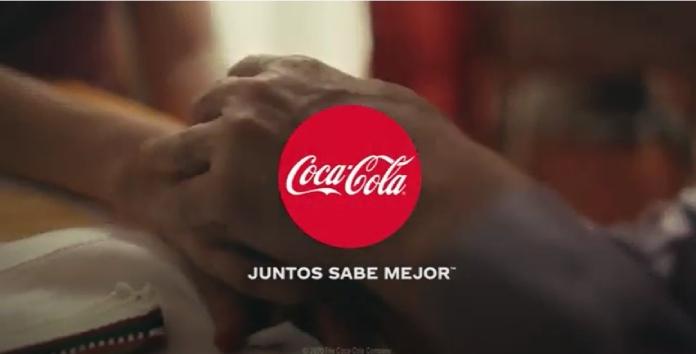 100 anuncios publicitarios con eslogan: Mejores slogans. Coca-Cola:  Juntos sabe mejor.