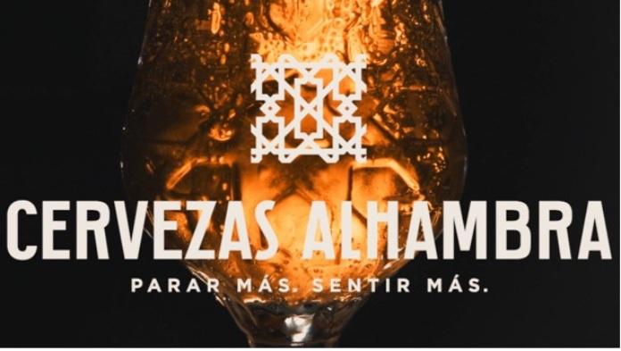 100 anuncios publicitarios con eslogan: Mejores slogans. Cervezas Alhambra: Parar más. Sentir más.