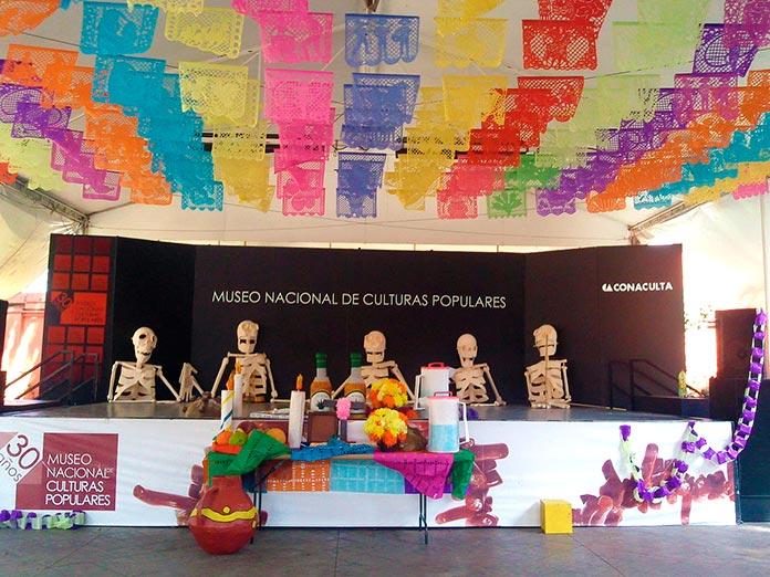 Escenario para la celebración del Día de los muertos