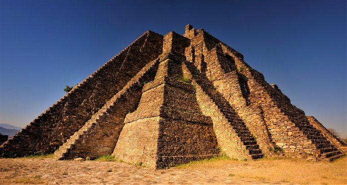 Templos mayas. Toniná. Gran pirámide de Toniná.