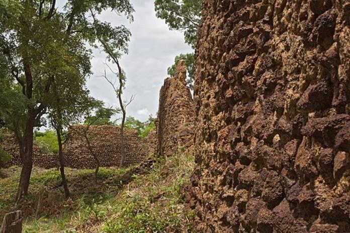 Burkina Faso: Ruinas de Loropéni
