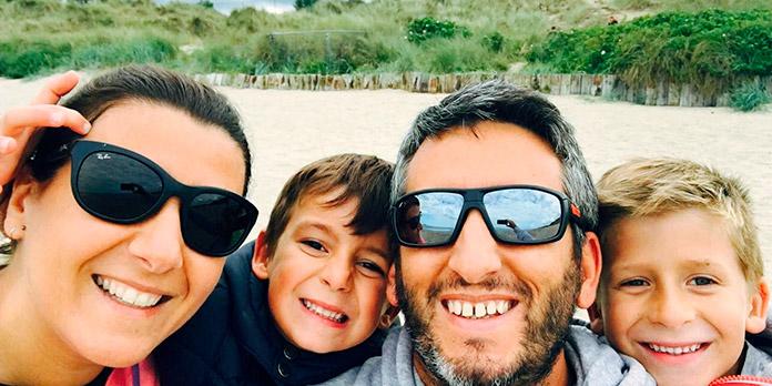 Ale y Caro con sus dos hijos, Nico y Luca (thevegetariantravel.com)