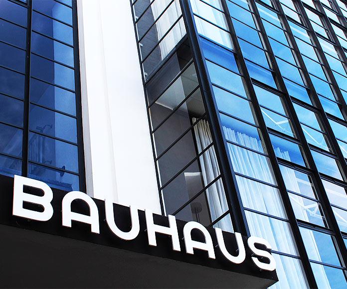 Arquitectura Bauhaus: historia, características y ejemplos del arte y diseño de la icónica escuela Bauhaus