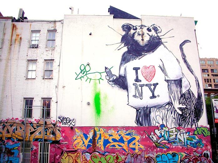Rata pintada en la fachada de un edificio del Soho, Nueva York