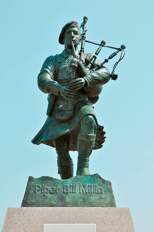 Estatua de bronce de Bill Millin