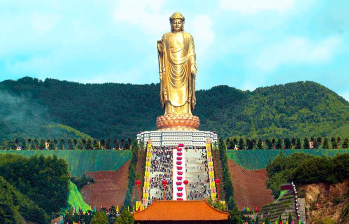 Buda del Templo de Primavera, China.