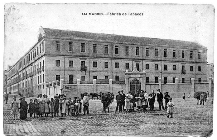 Calle de Embajadores -Fábrica de Tabacos