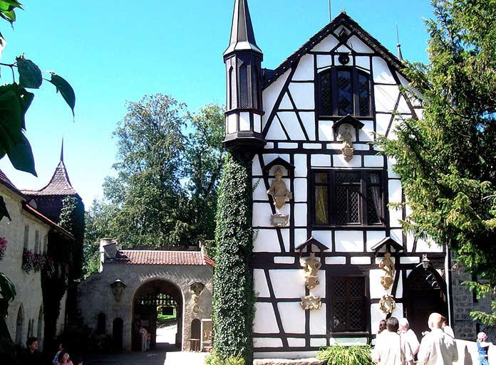 Otra de las entradas al castillo