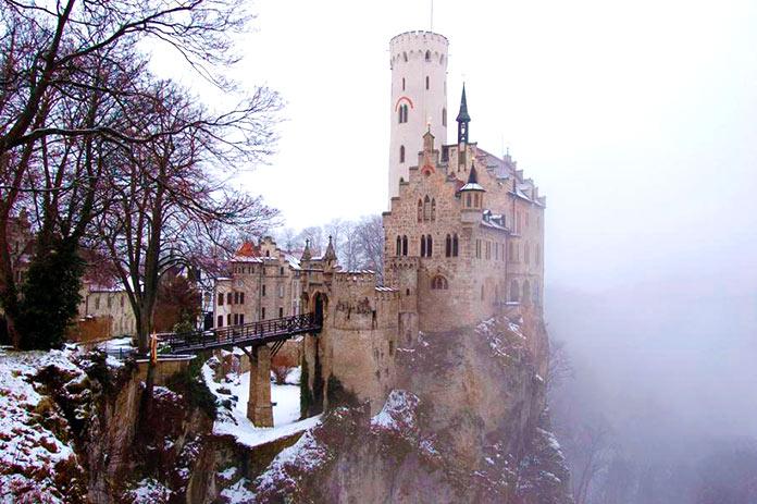 Castillo de Lichtenstein en invierno