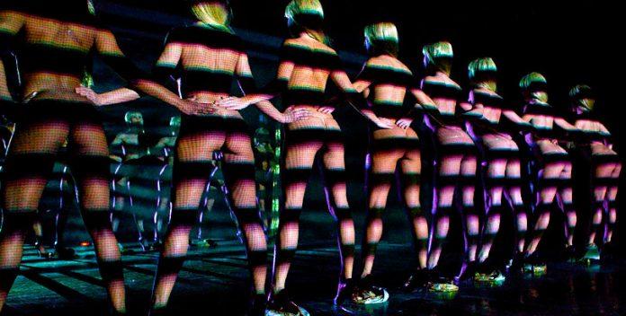 Vuelve el topless show más sensual de Las Vegas