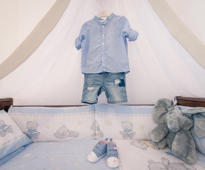 Crece la compraventa de ropa infantil usada