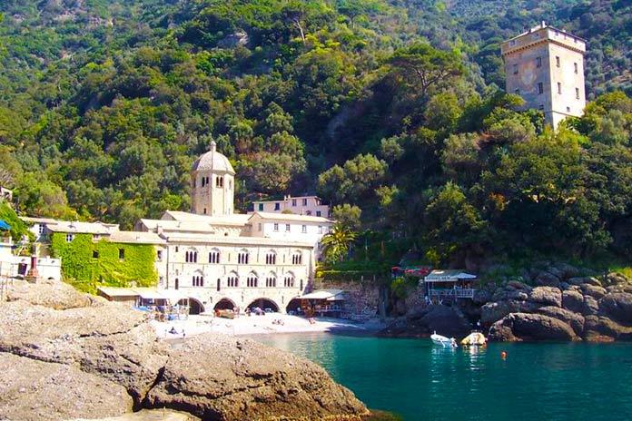 Cristo del abismo: Bahía de San Fruttuoso, Italia