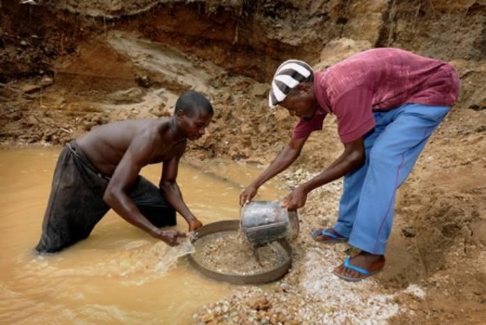 Desastres mineros más trágicos - Pueblo africano en el trabajo de la minería