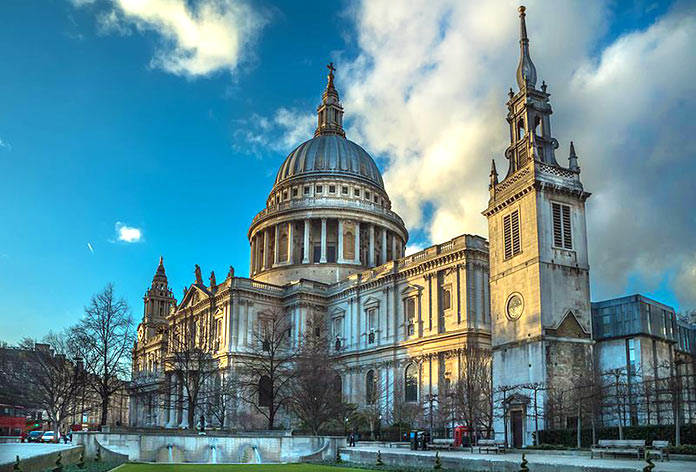 Famous buildings rebuilt after tragedies - St. Paul's Cathedral London