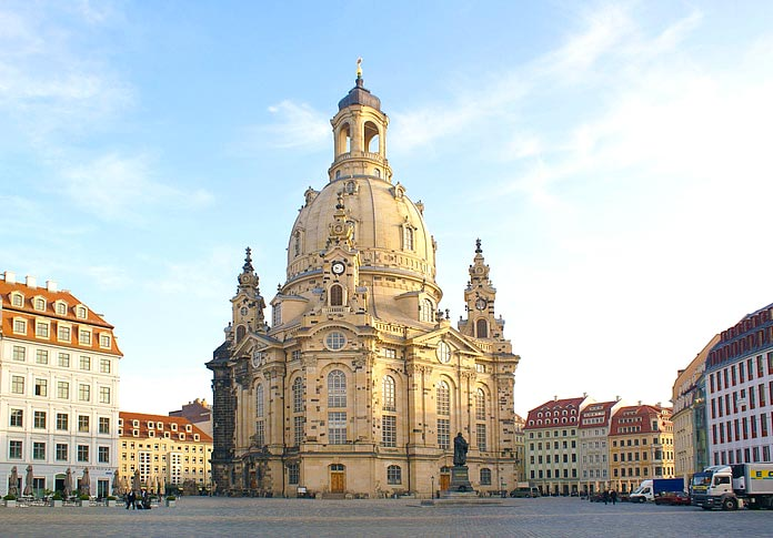 Famous buildings rebuilt after tragedies - Frauenkirche Church in Dresden