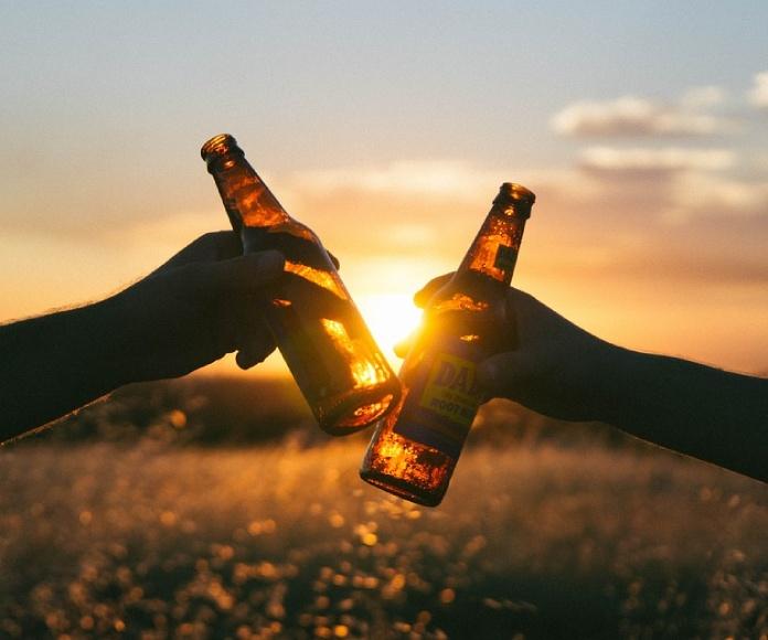El color de la alegría se llama cerveza