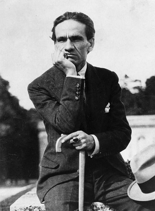 Escritores peruanos famosos - César Vallejo.
