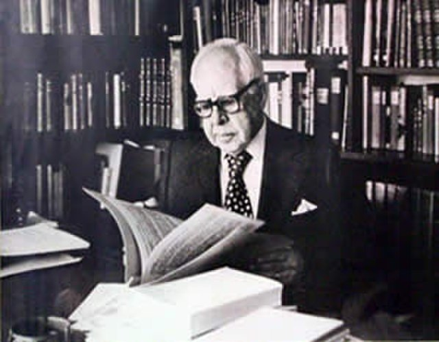Escritores peruanos famosos - Luis Alberto Sánchez.