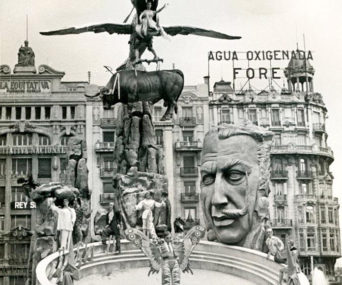La falla de Dalí, una obra cargada de polémica.