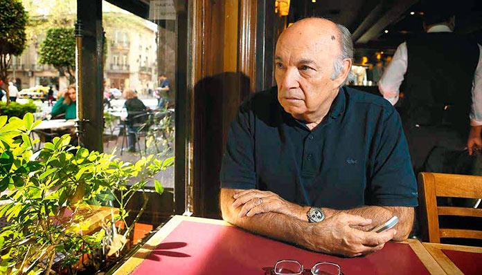 Horacio Altuna durante una entrevista