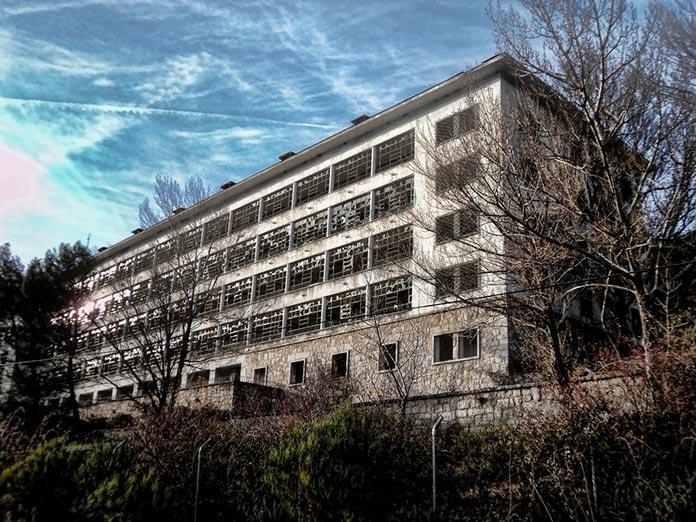 Hospital Santo Ángel de la Guarda o Sanatorio de La Barranca (Navacerrada)
