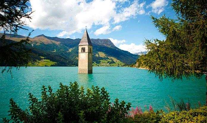 Iglesias sumergidas: 10 templos que emergen del agua