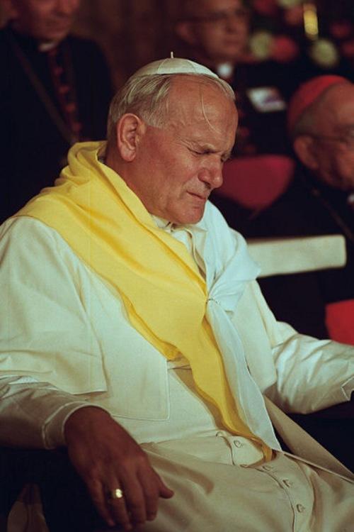 ¿Cuánto cuesta la visita de un Papa?: Visitas Papales a España. Papa Juan Pablo II.