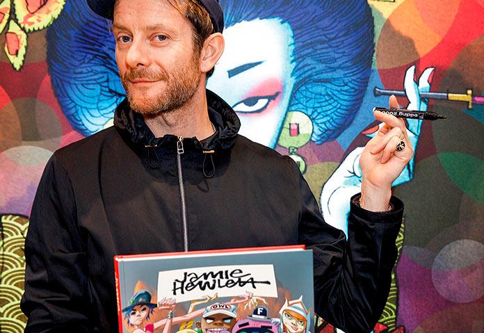 Jamie Hewlett en una firma de libros en Londres