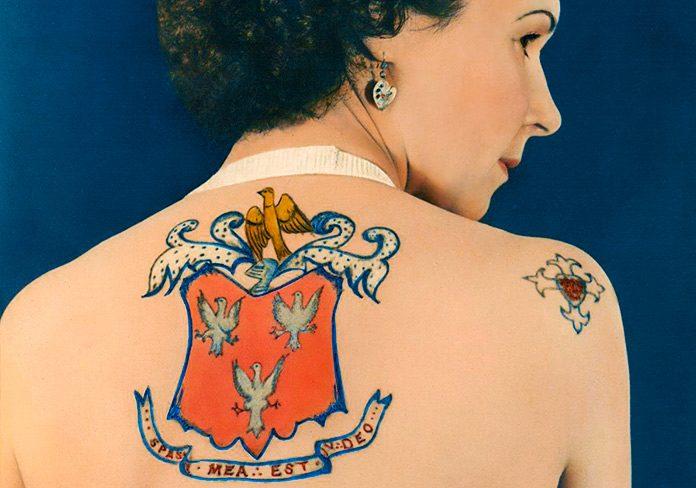 Jessie Knight: la injusta historia de la primera mujer tatuadora de Gran Bretaña