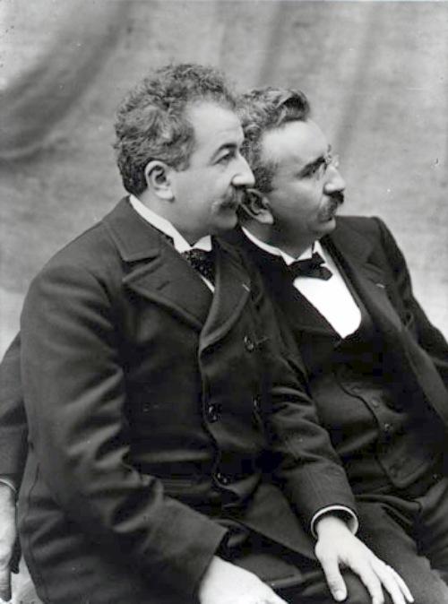 La primera fotografía de la historia Hermanos Lumiere