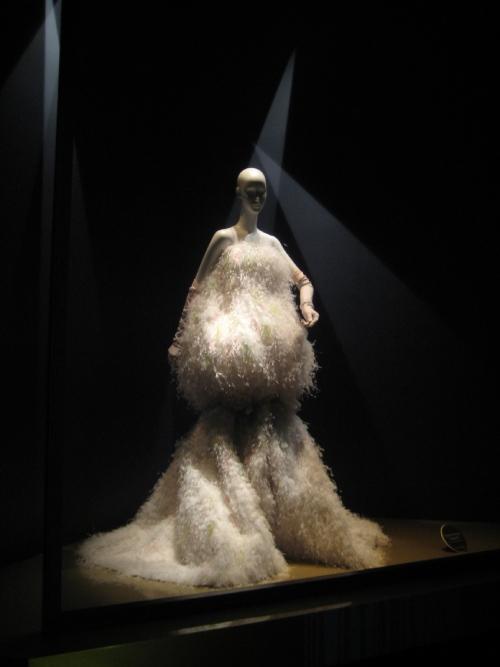 Los 20 diseñadores de alta costura más influyentes de todos los tiempos – Modelo de Christian Dior.