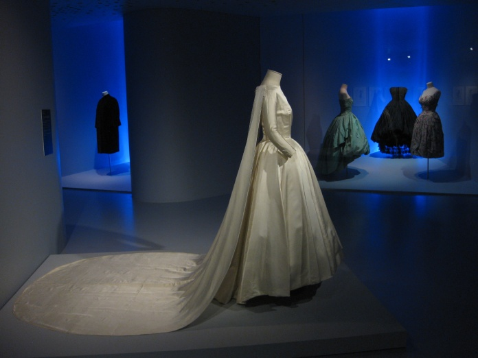 Los 20 diseñadores de alta costura más influyentes de todos los tiempos – Modelo de Cristóbal Balenciaga.