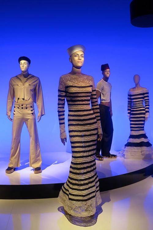 Los 20 diseñadores de alta costura más influyentes de todos los tiempos – Modelo de Jean Paul Gaultier.