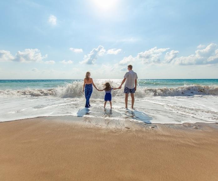 Los padres de hoy dedican el doble de atención a sus hijos