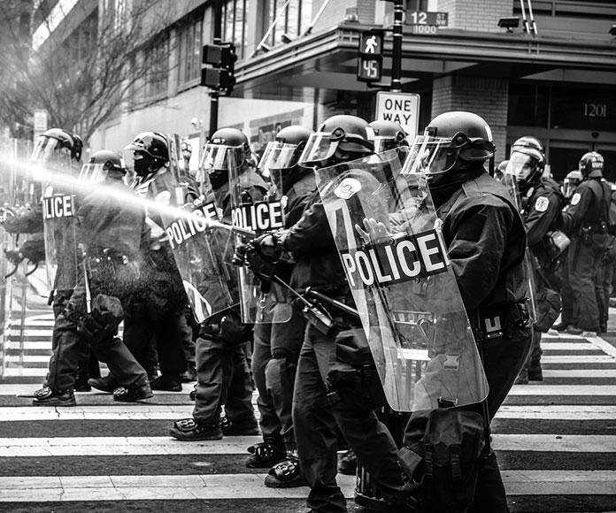 Manifestaciones, orden público y técnicas antidisturbios