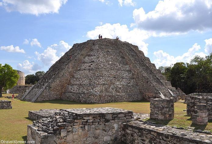 Templos mayas. Mayapán. Pirámide Mayor.