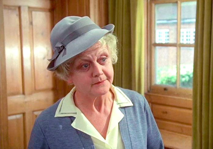 Angela Lansbury como Miss Marple