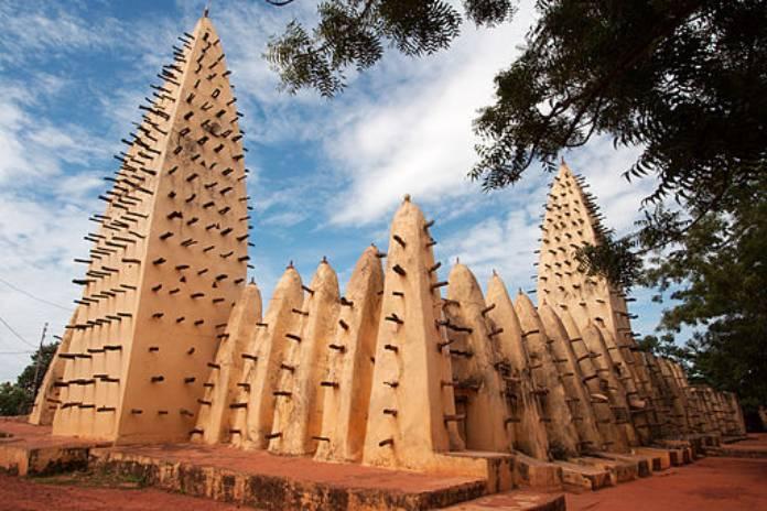 Burkina Faso: La Gran Mezquita de Bobo-Dioulasso