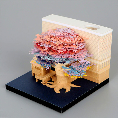Omoshiroi Bloc de notas Casa bajo cerezo en flor