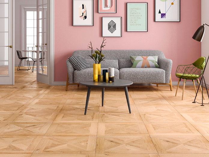 Salón minimalista con el suelo de parquet