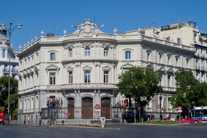Paseo-del-Prado-Palacio-Linares
