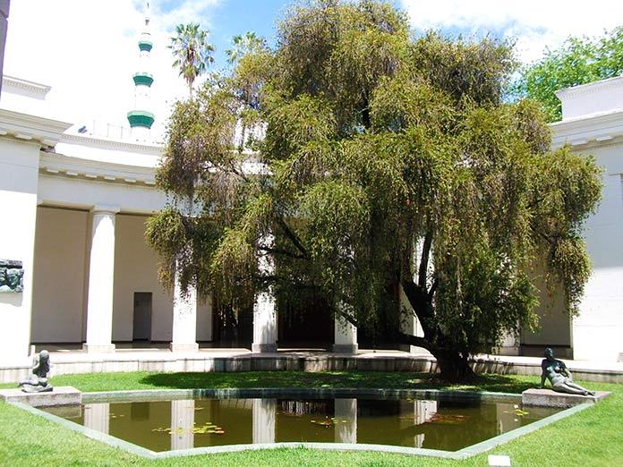 Patio central del edificio de estilo neoclásico  del Museo de Bellas Artes