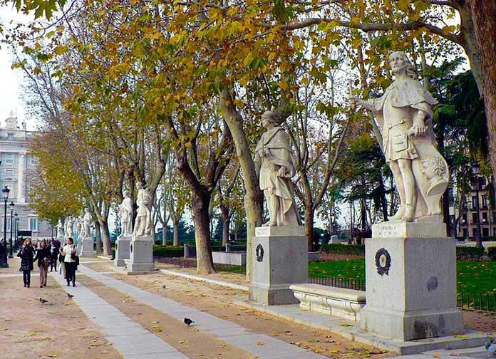 Esculturas de la Plaza de Oriente
