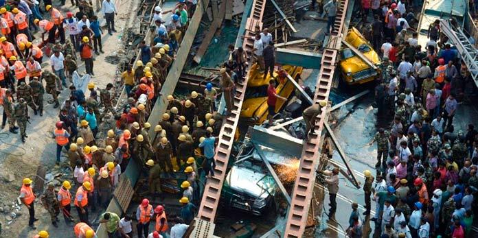 Puente de Calcuta, India